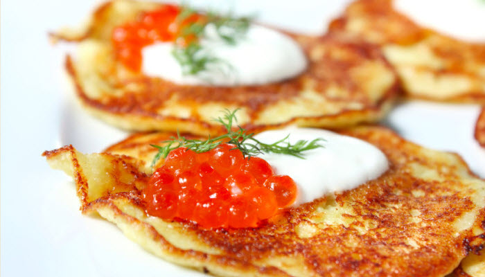 Latkes with Salmon Roe and Sour Cream