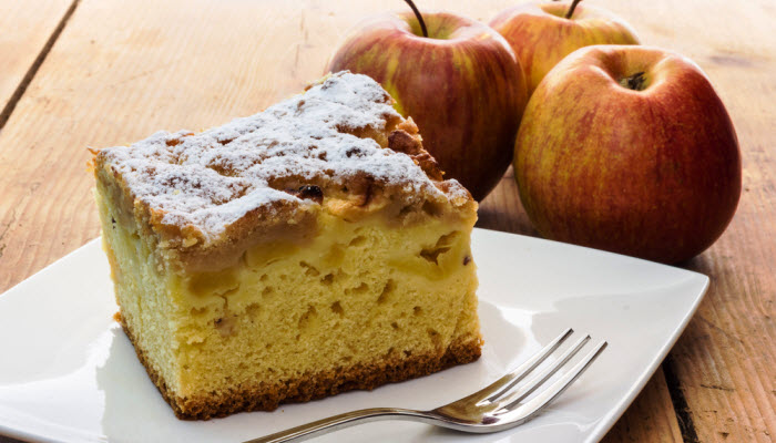 Gloria's Apple Cake