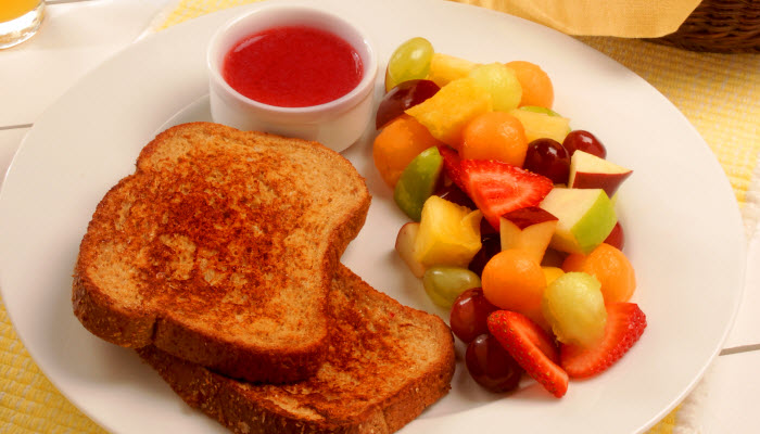 Orange Cinnamon French Toast with Strawberry Sauce – Healthy Option