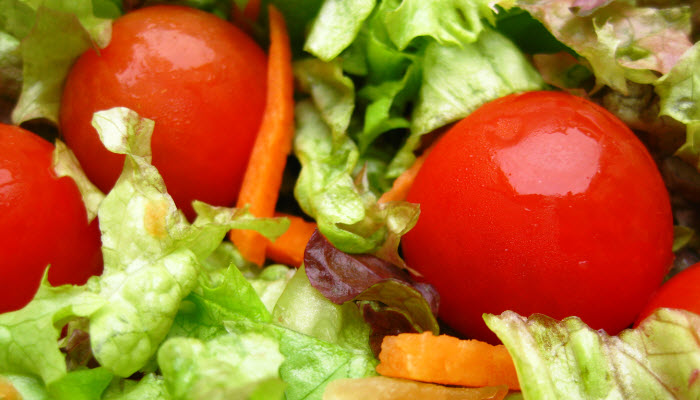 Tossed Salad with Red Wine Vinaigrette – Healthy Option