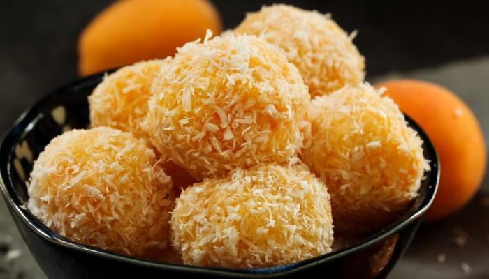 Evy's Apricot Coconut Balls