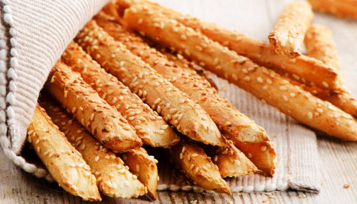 Crunchy Bread Sticks with Sesame Seeds