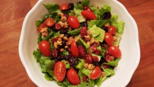 salad-with-cranberries-and-candied-walnuts