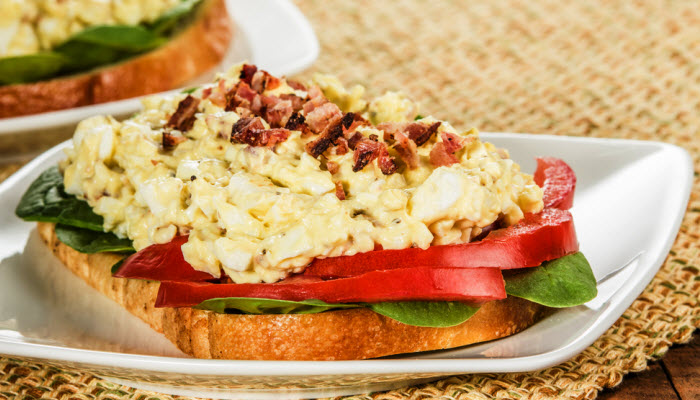 Kosher Egg and Bacon Bits Sandwich