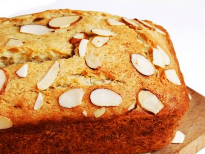 almond-crusted pound cake