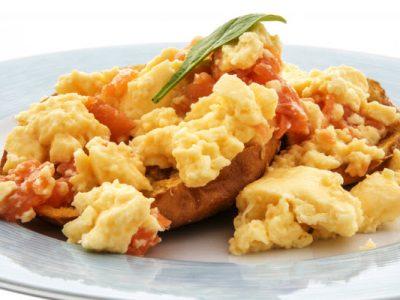 eggs-lox-onions-on-a-bagel