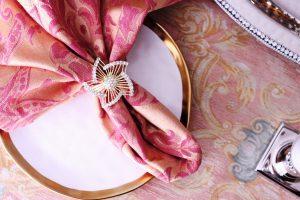 gold pinwheel napkins
