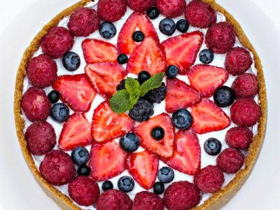 enlightened berry cheesecakes