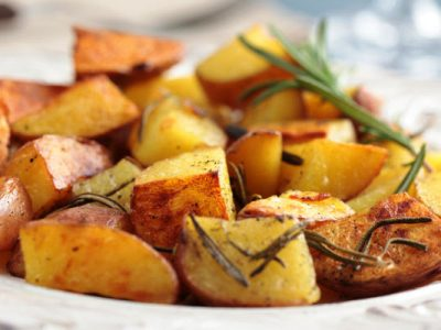 oven roasted potatoes with rosemary and garlic