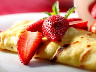 strawberry cheese crepes